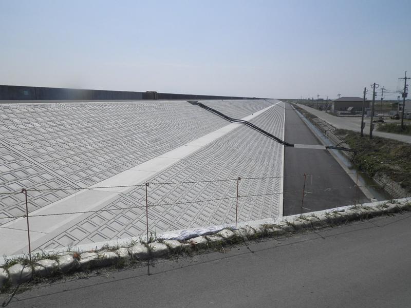有明海東部海岸保全事業 大和工区矢部川堤防裏法面被覆工事